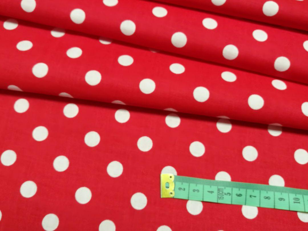 Bawełna wzór białe grochy 10 mm na czerwonym
