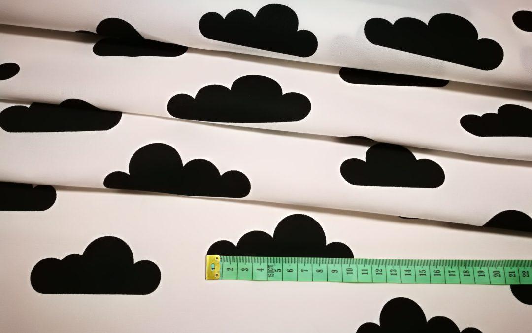 Bawełna wzór czarne chmurki na białym