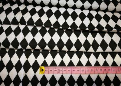 Bawełna wzór czarne romby na białym