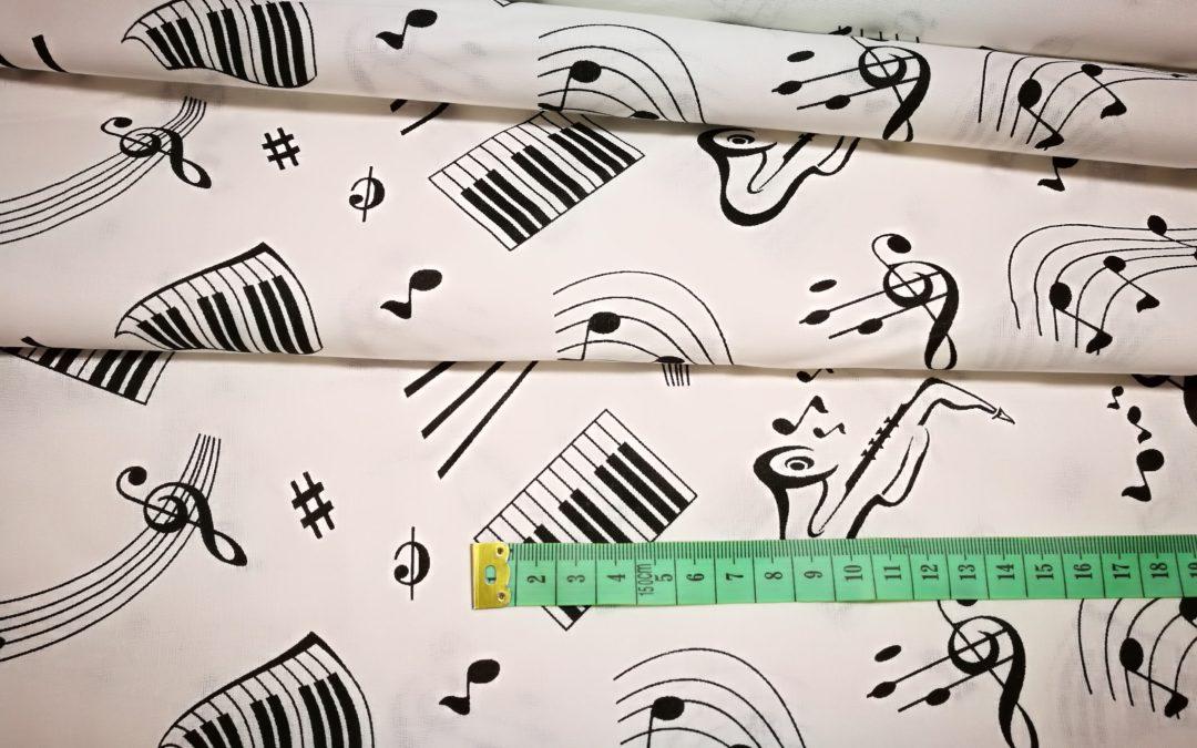 Bawełna wzór instrumenty na białym
